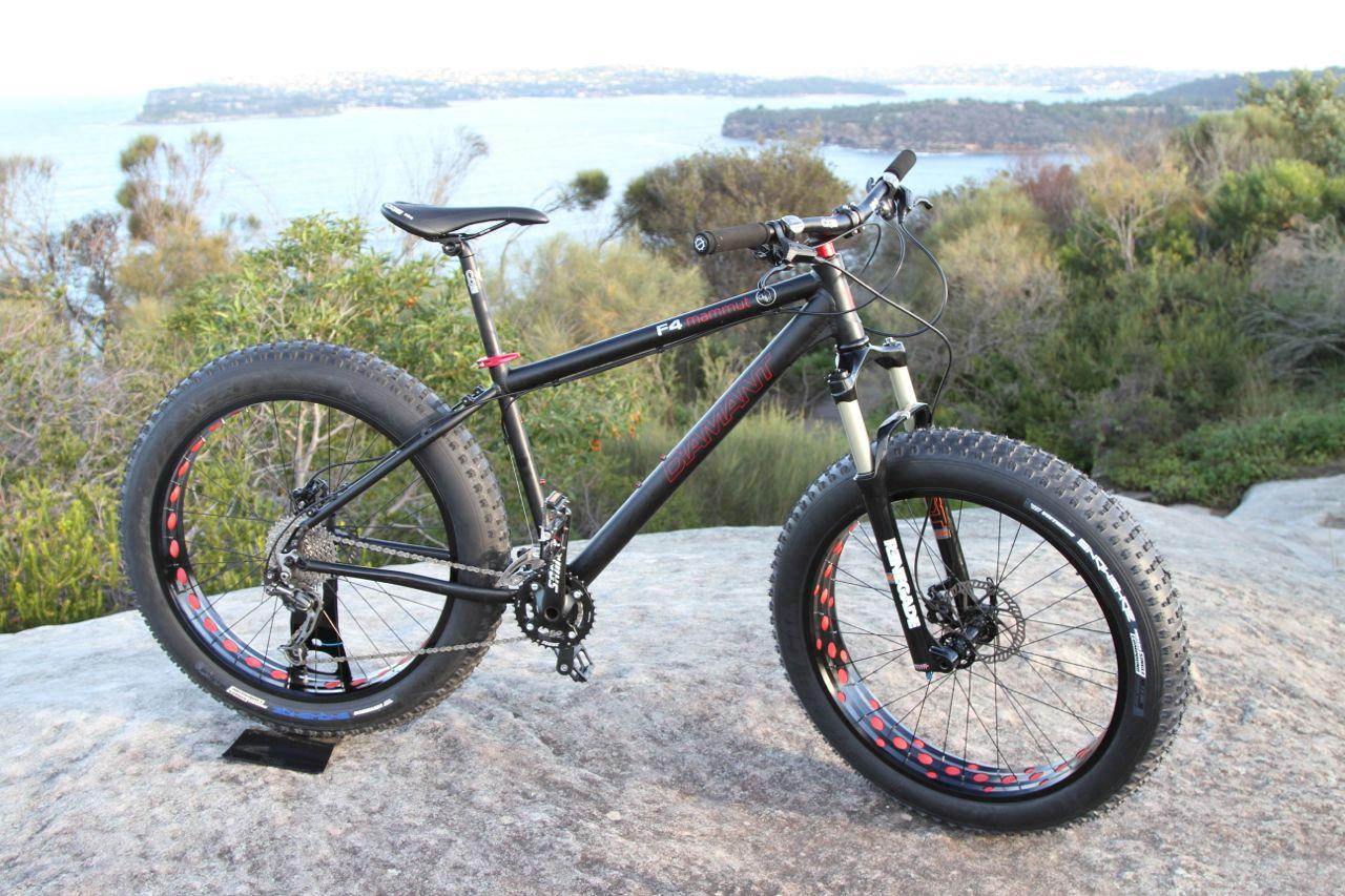2014 Diamant Mammut F4 fatbike Australia - F4 Fat bike shown with RST Renegade fatbike suspension fork.